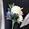 flor para el traje rosa blanca