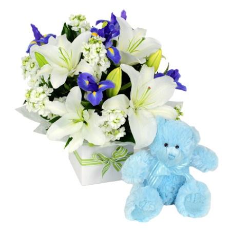 flores con peluche de regalo