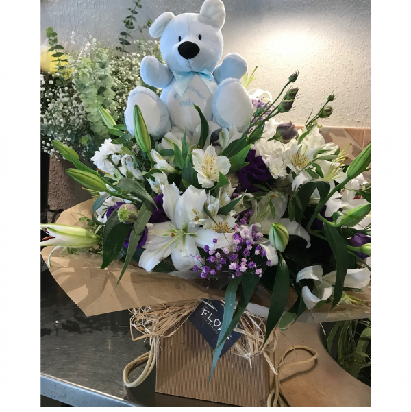 flores base peluche azul