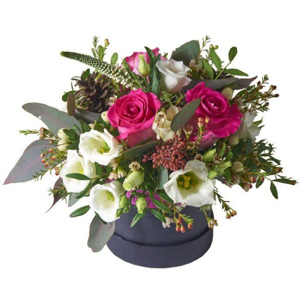 caja de cartón con flores silvestres