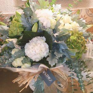 Hortensias, Rosas y eucaliptus