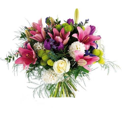 ramo silvestre de flores variadas