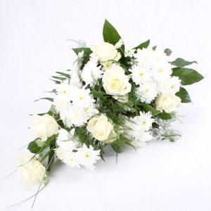 Ramo con rosas blancas