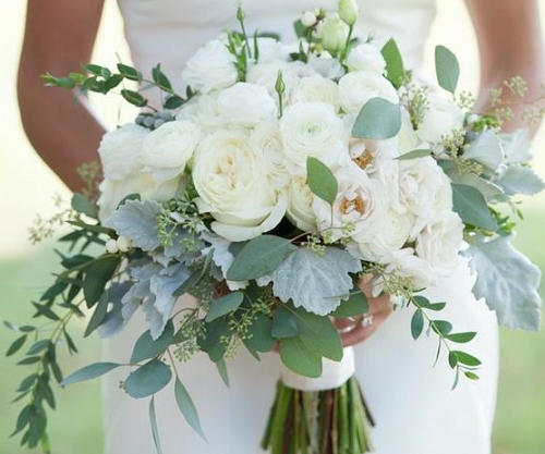 ramo rosas blancas verdes y grises
