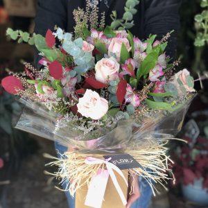 Base de kraft con rosas