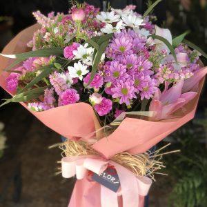 Margaritas y flores silvestres
